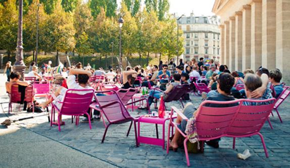 A la chasse aux terrasses ensoleill es le grand petit monde fermob blog mobilier design de - Mobilier jardin brabant wallon paris ...
