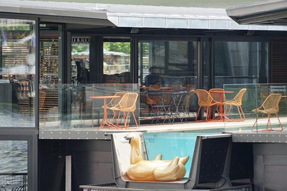 Off paris seine the first floating hotel le grand for Le jardin hivernal du off paris seine